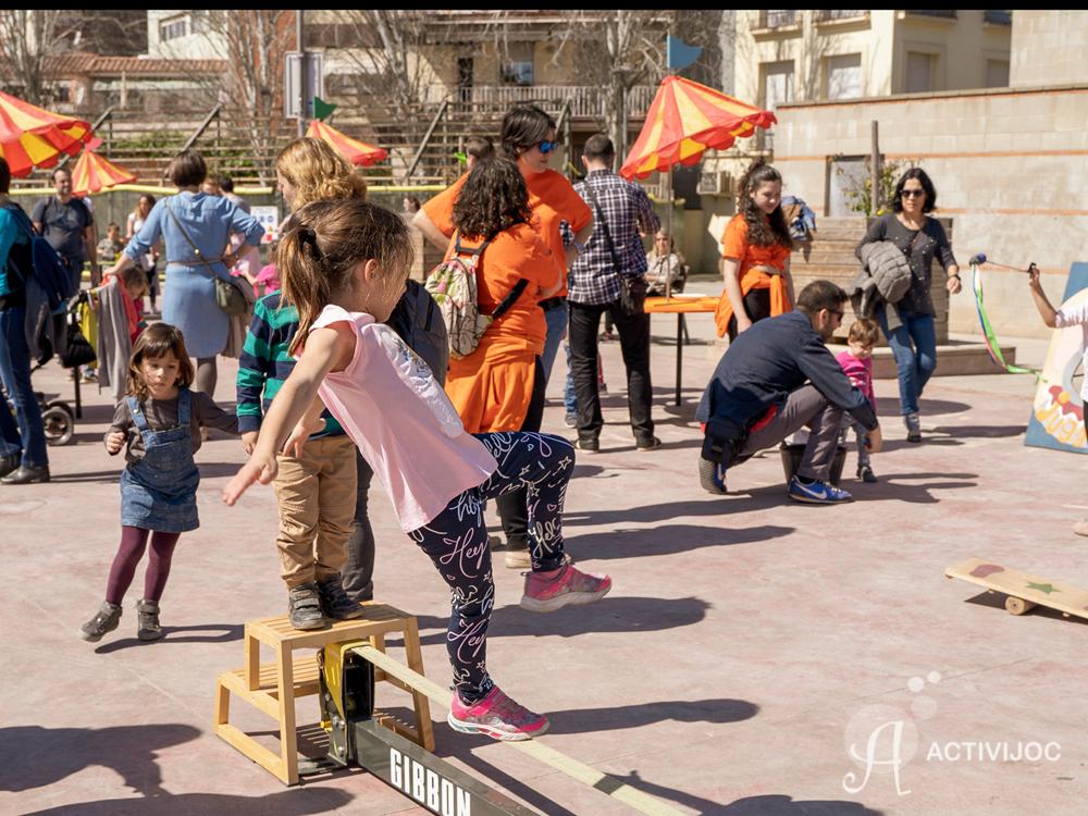 Tarda de jocs al carrer amb JUGACIRC