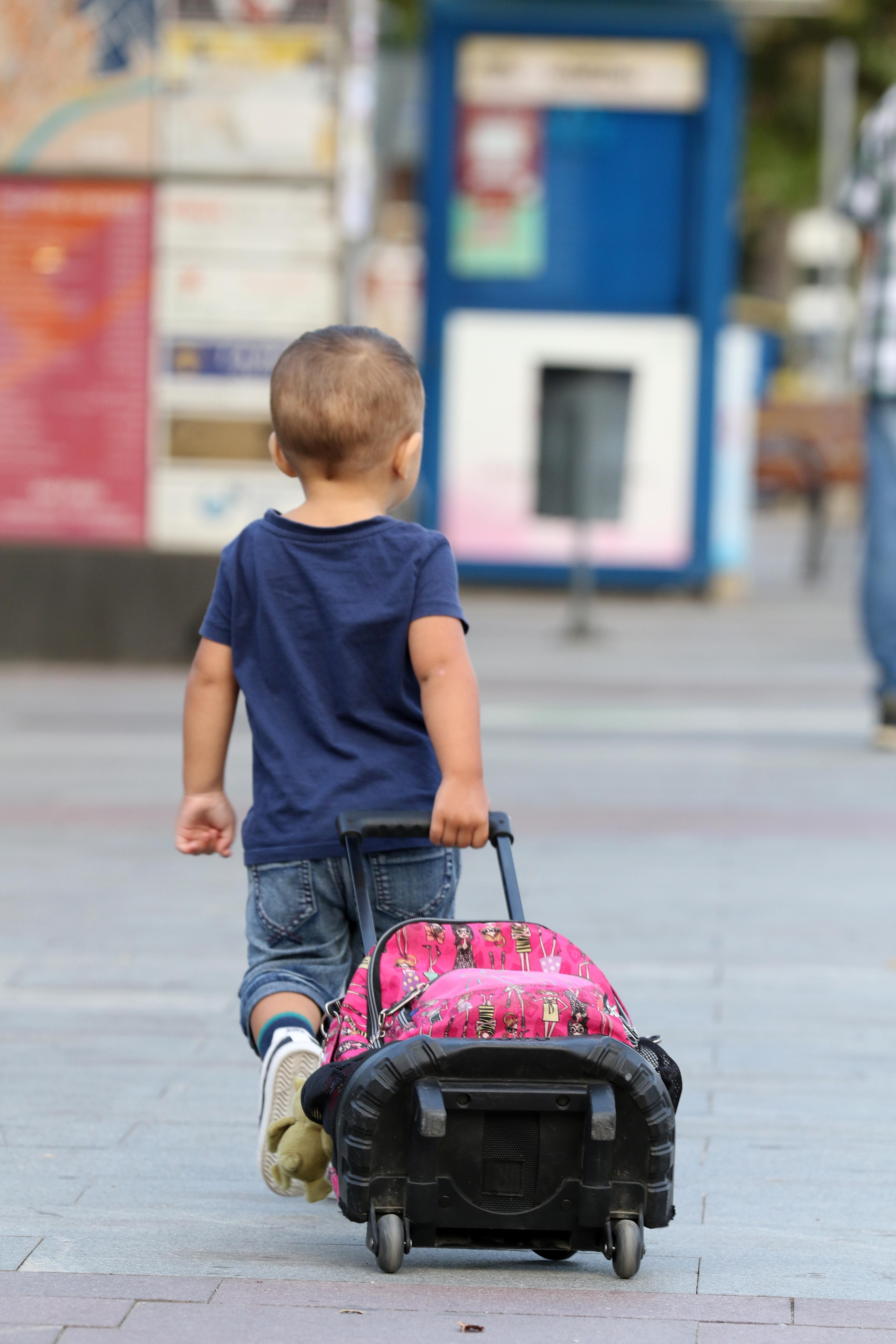 L'Ajuntament destina més de 100.000 euros a beques de material escolar