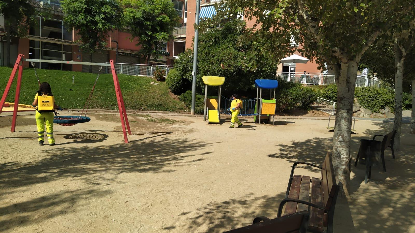 L'Ajuntament reobre els parcs i jocs infantils