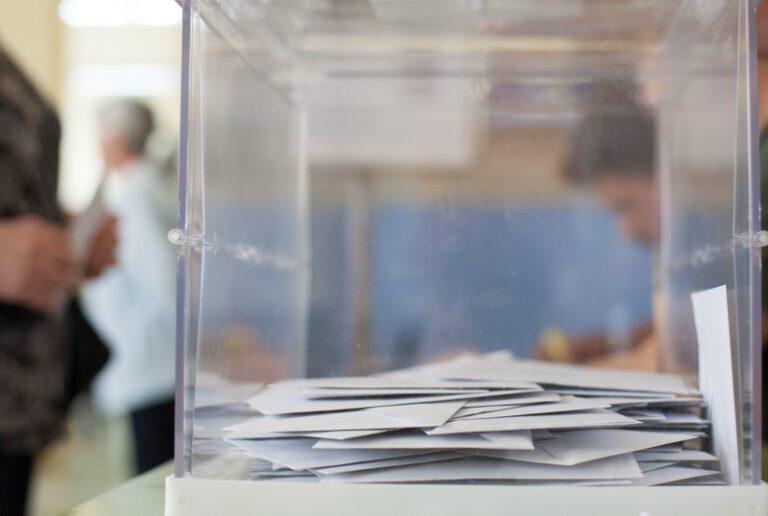 Amplien fins al 12 de febrer el termini per votar per correu a les eleccions al Parlament