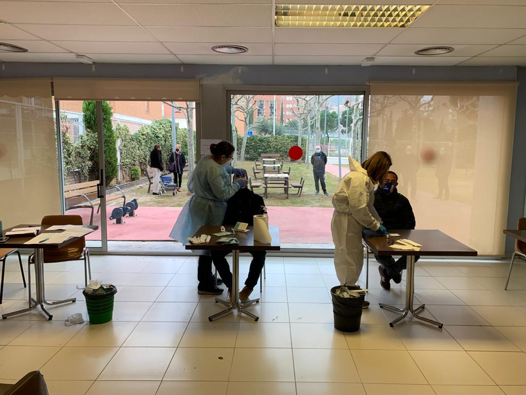 L'Ajuntament proposa un test d'antígens a les persones que van estar a les meses electorals