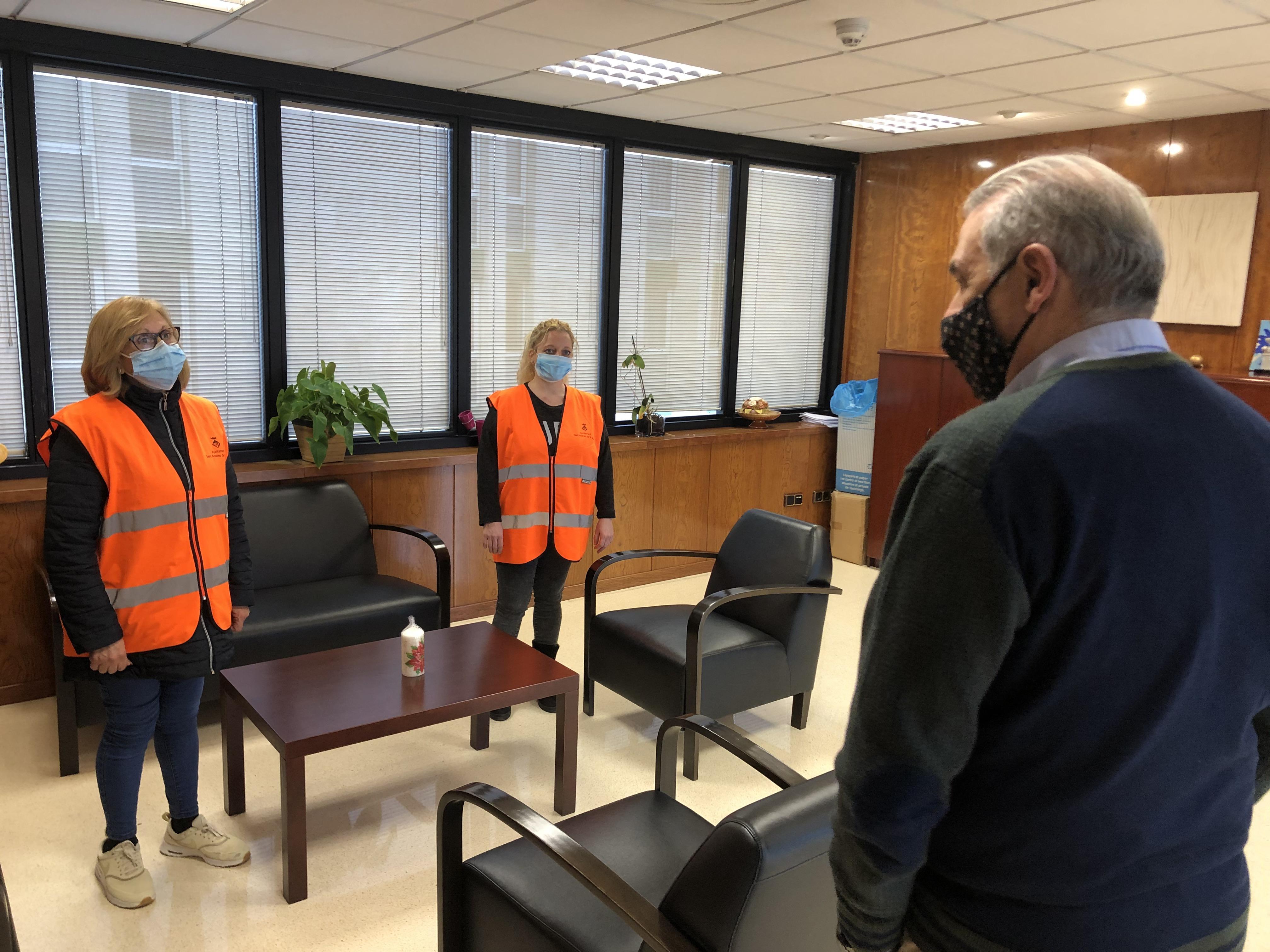 Imatge de la notícia: L'Ajuntament incorpora dues persones a la plantilla d'agents comunitaris