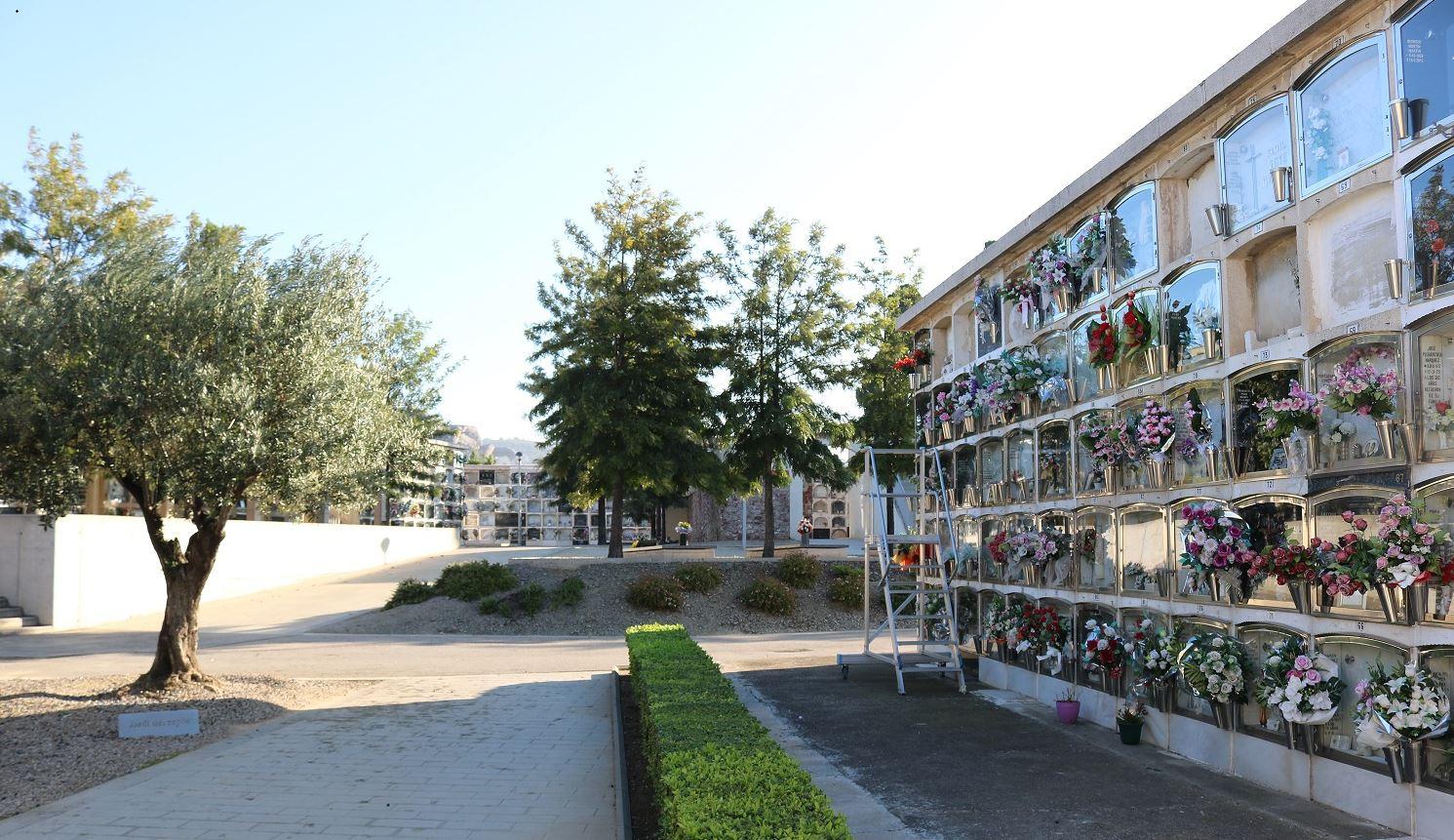 Imatge de la notícia: Horari especial del cementiri municipal amb motiu de Tots Sants